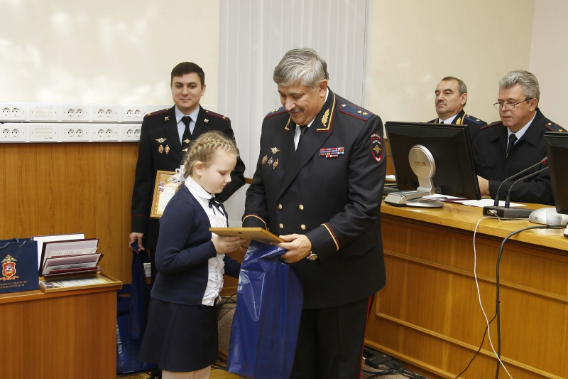 ruza-policiya-risunki-2